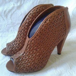Vince Camuto Ankle Booties Woven Leather Heels 6.5